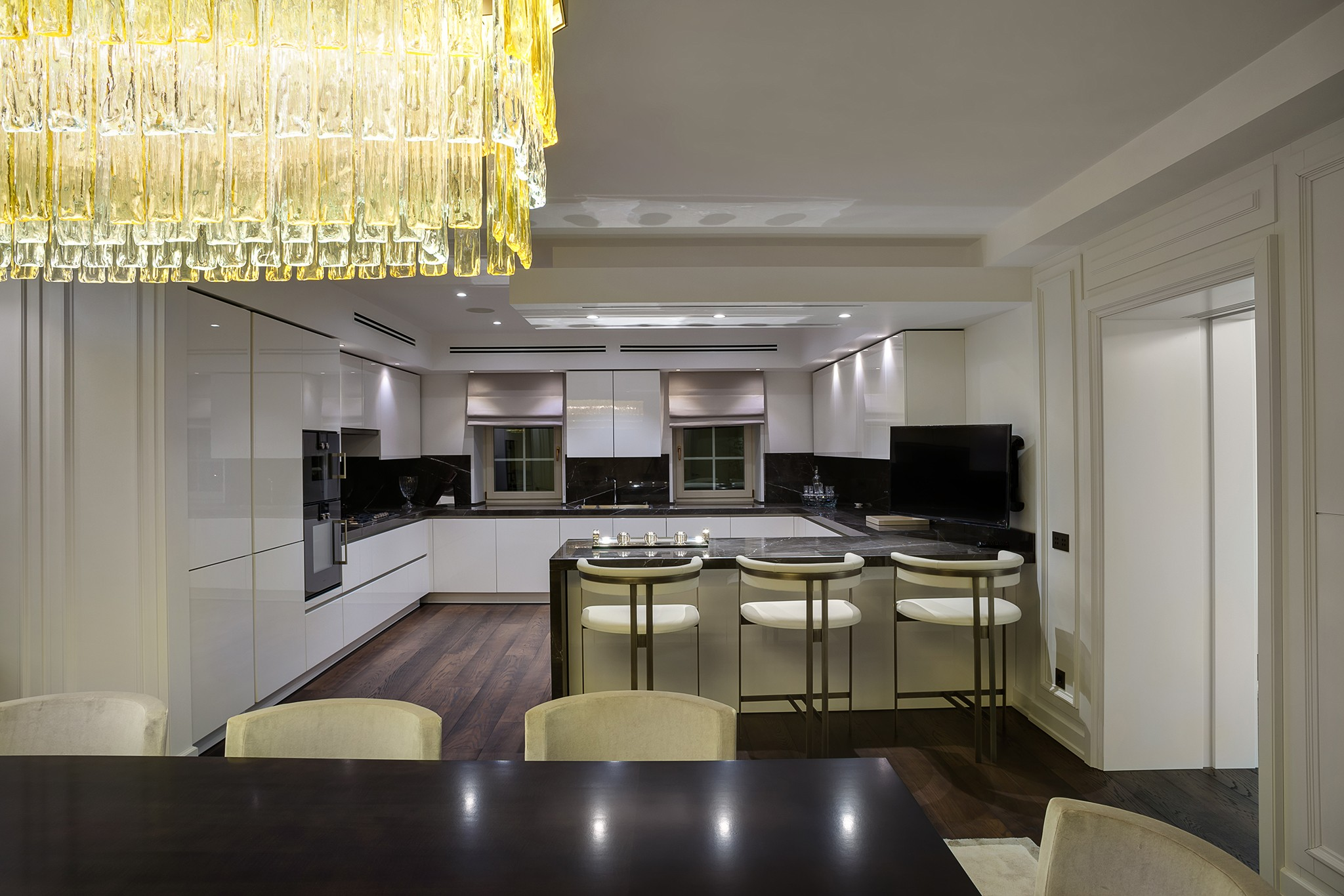 -Interior-photography-of-the-kitchen-in-the-villa