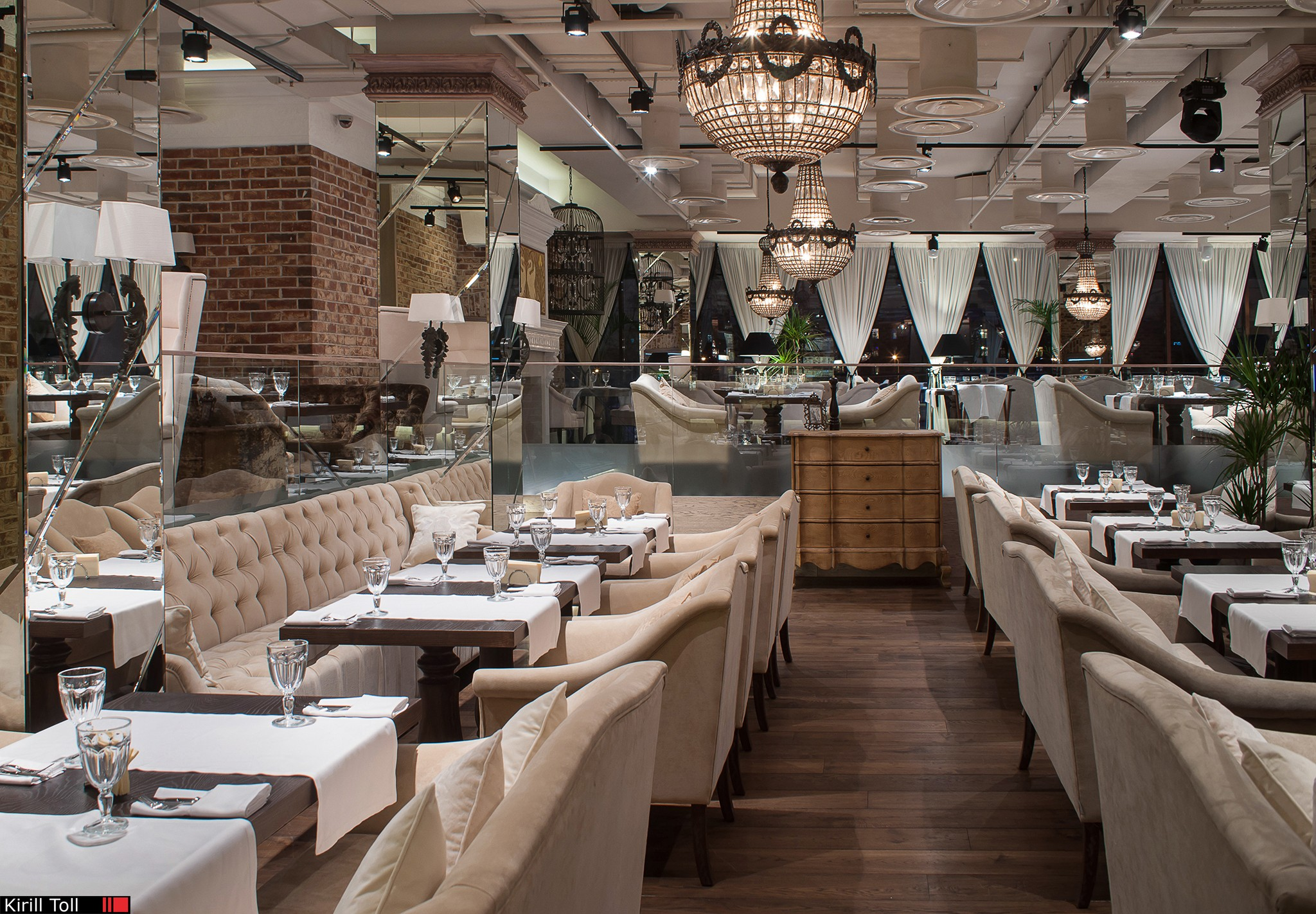 Advertising-photos-of-the-interior-of-the-restaurant-for-the-catalog-and-the-site
