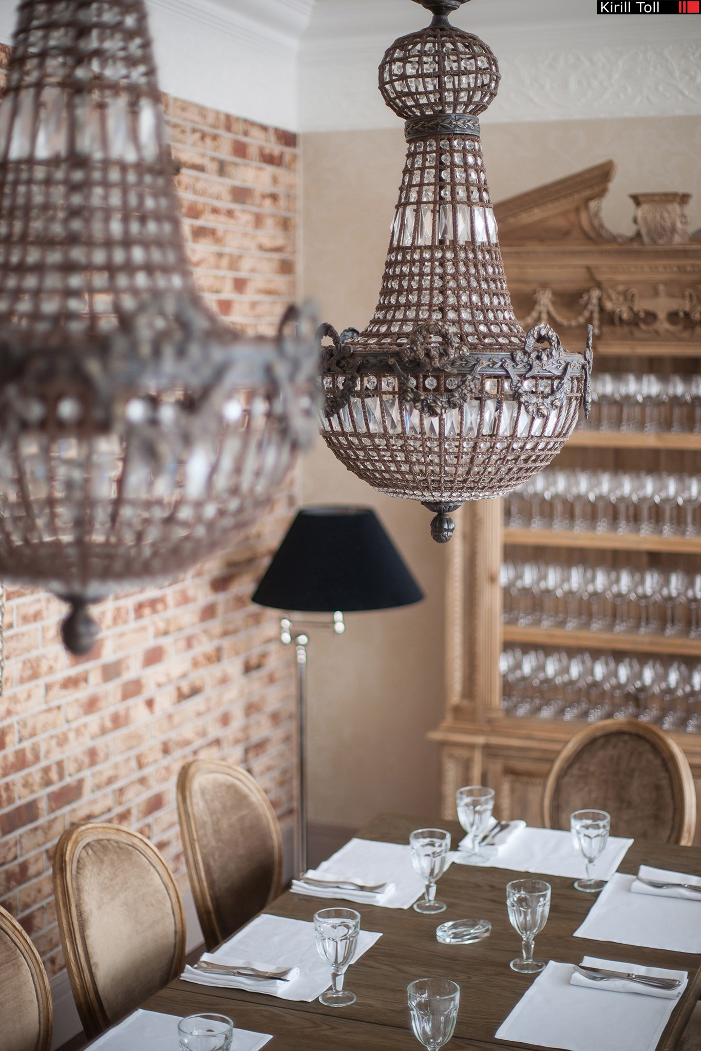 Photos-of-the-interior-of-the-restaurant-for-the-site