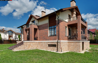 External and internal photography of a house in the country for sale. Gallery of the photographer Toll. Moscow.