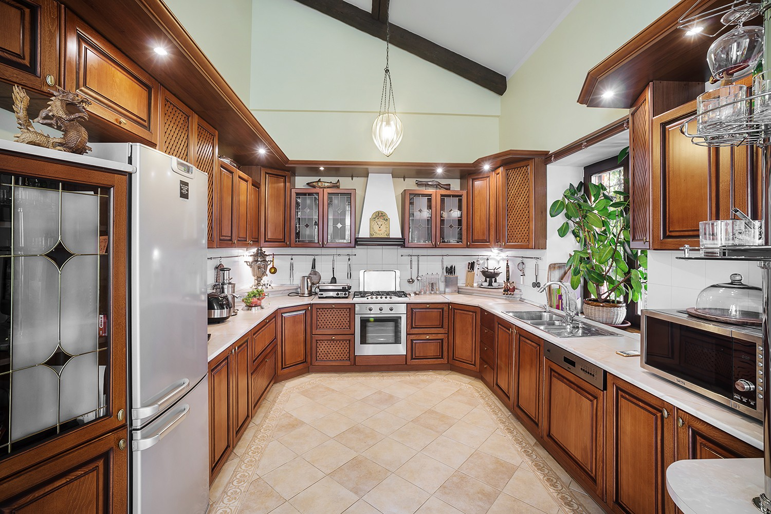 Interior photos of the kitchen in the villa. The building is for sale. Photographer Kirill Toll