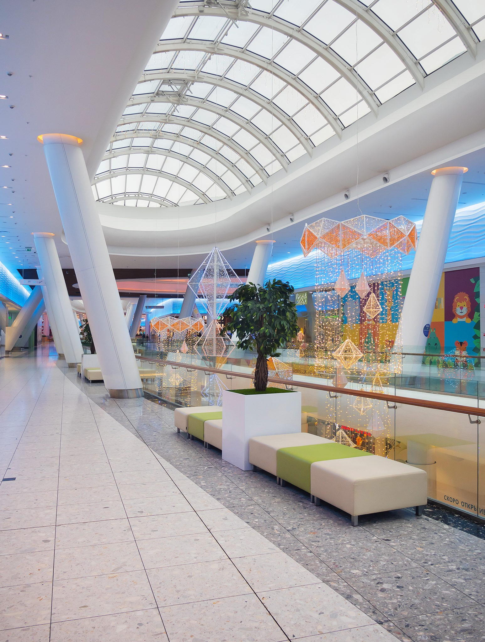 Interiors and architecture of the shopping mall