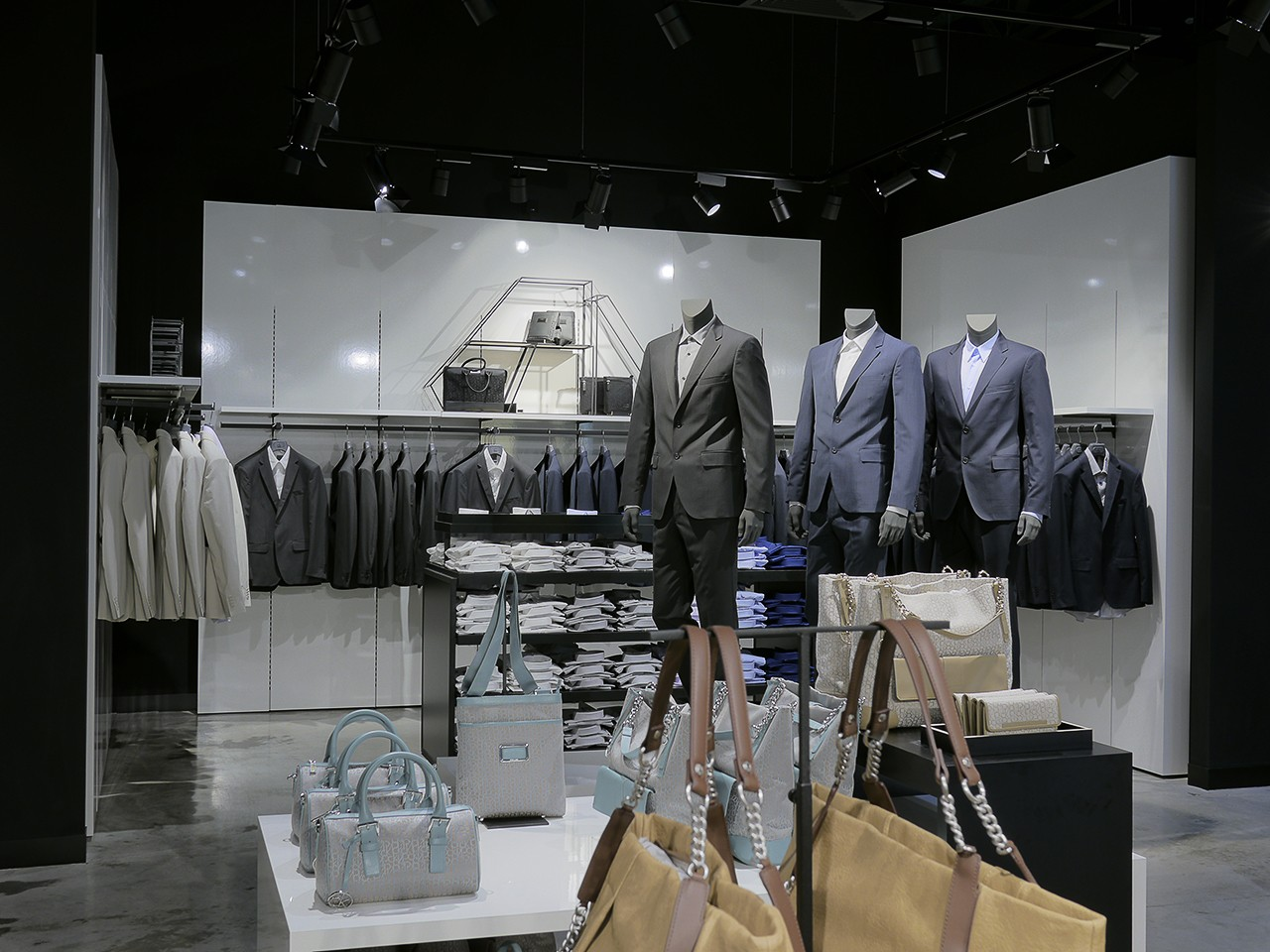 Photos of the interior of the boutique. Professional photographer Kirill Toll