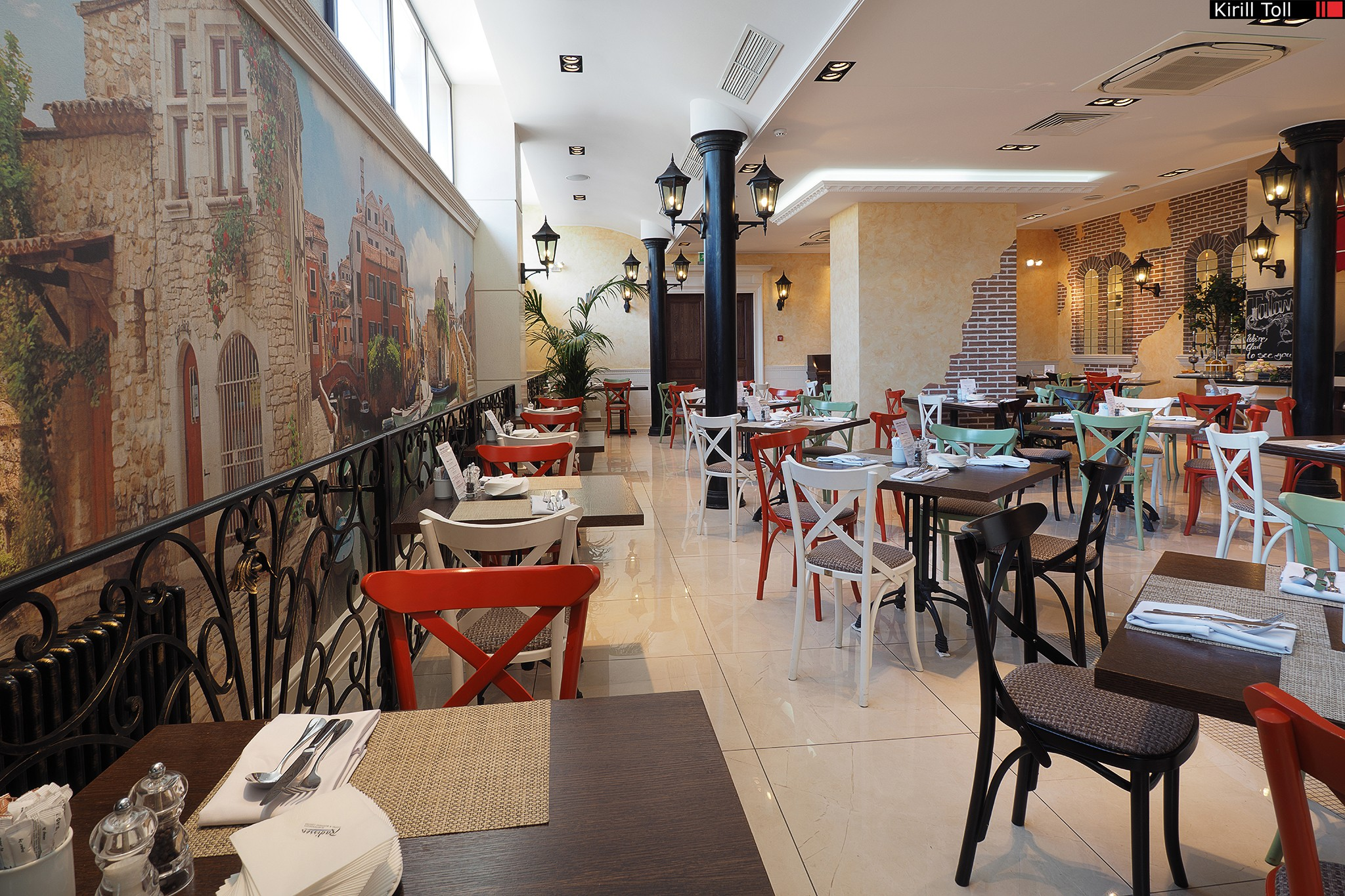 Restaurant with a buffet. Real estate photographer Kirill Toll
