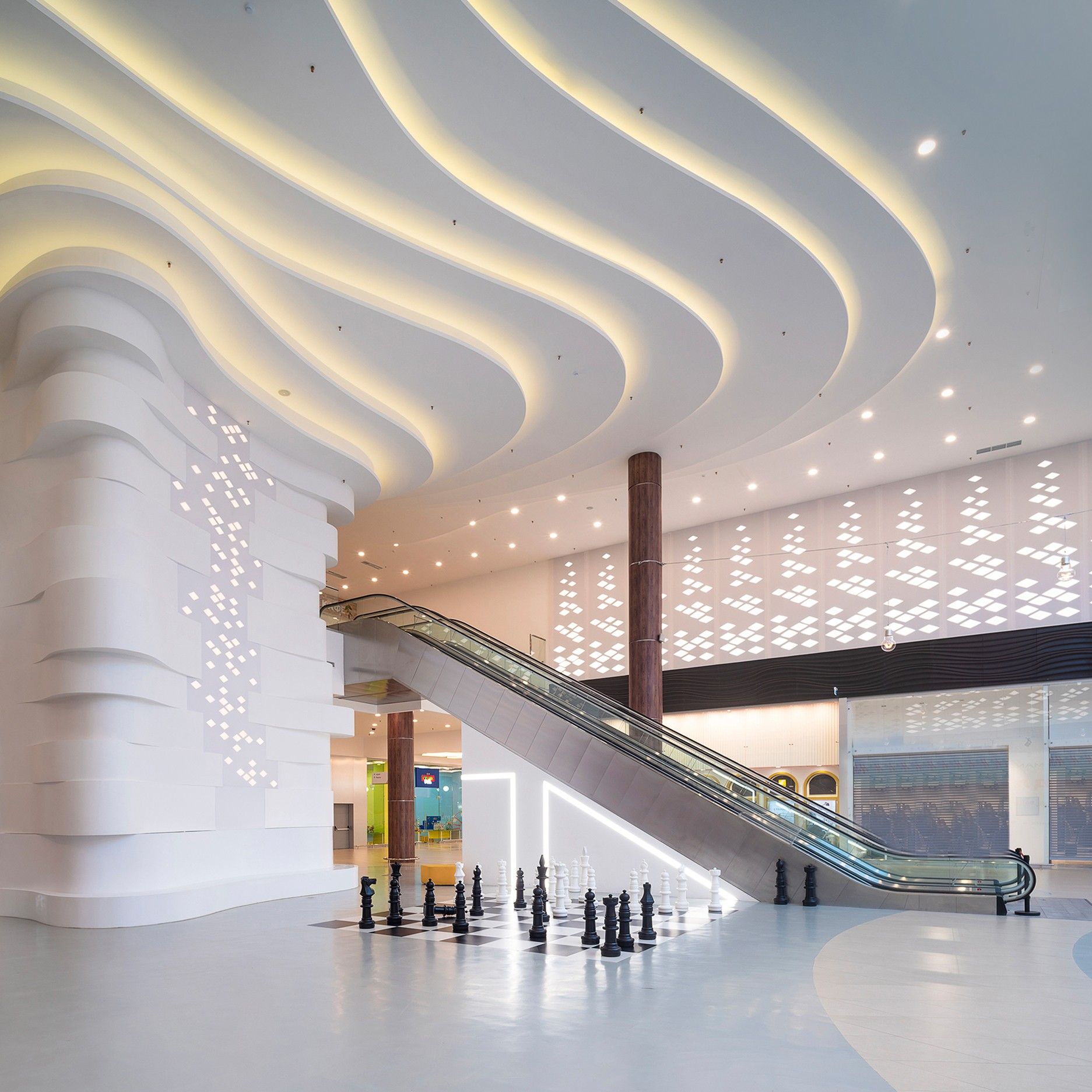 Hall in the mall. Recreation. Interior photographer Kirill Toll