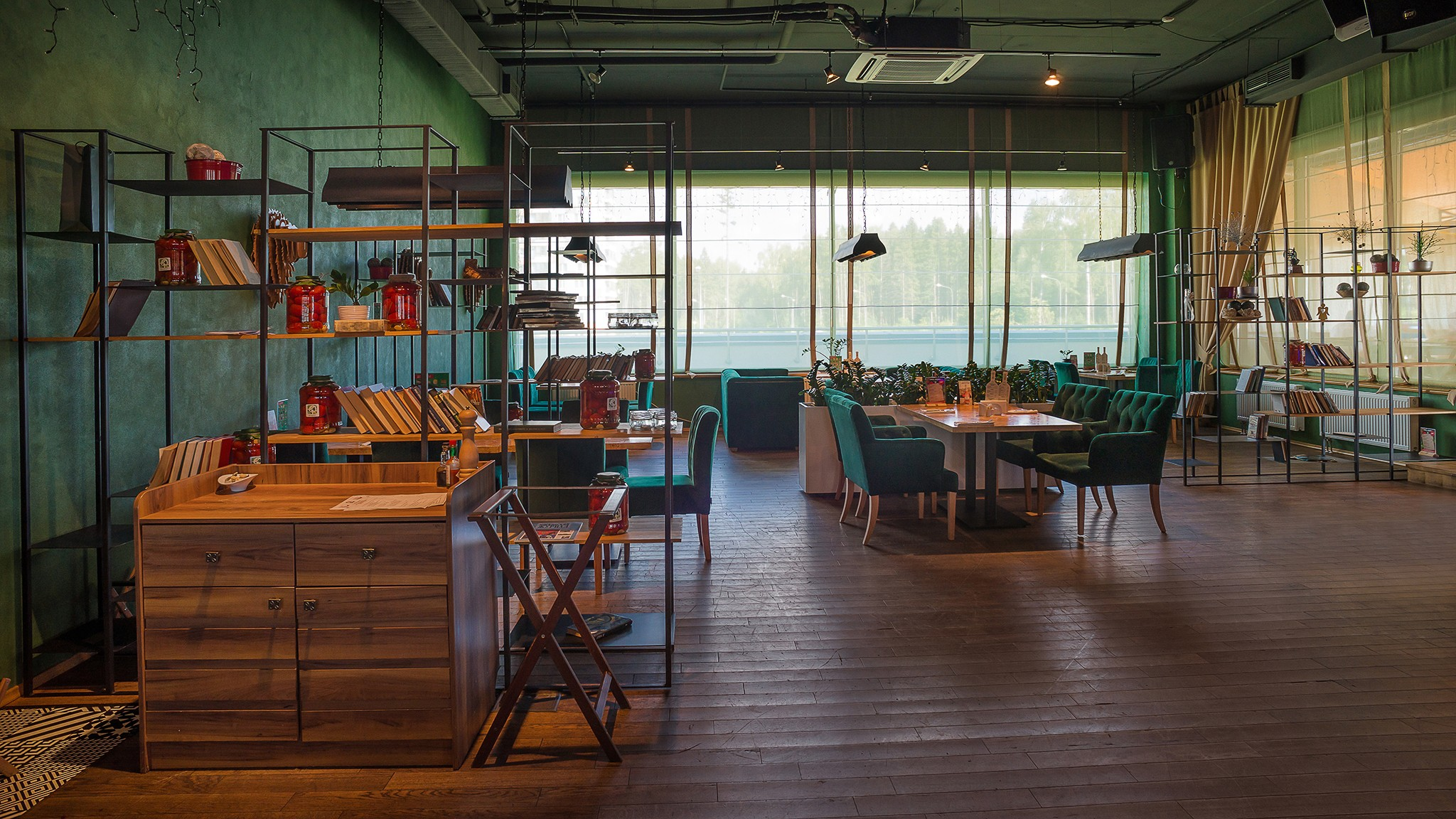 Professional photography of the interiors of cafes and restaurants by photographer Kirill Toll